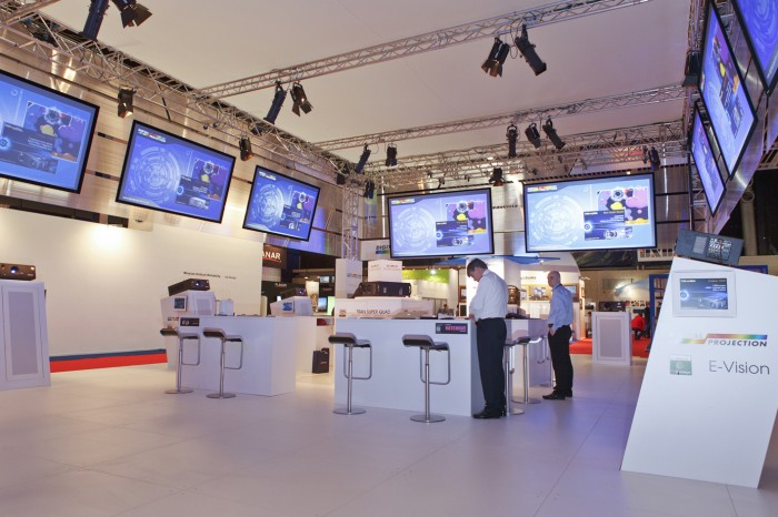 DP-Booth-ISE-2013-015